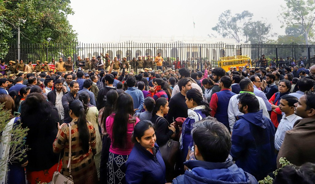 New Delhi: Members of Delhi University Teachers' Association (DUTA) protest outside VC's office demanding withdrawal of the circular mandating appointment of guest teachers, in New Delhi, Thursday, Dec. 5, 2019. (PTI Photo) (PTI12_5_2019_000136B)