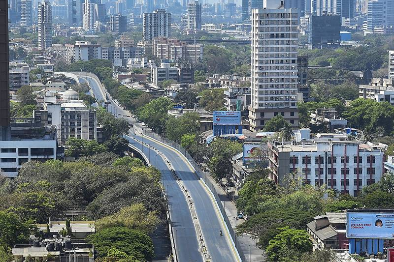 Mumbai: Dadar to Parle road wears a deserted look during 'Janata curfew' in the wake of coronavirus pandemic, in Mumbai. (PTI Photo)