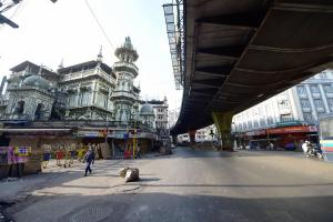 Minara masjid wears a deserted look on the first day of the holy fasting month of Ramzan, amid unprecedented circumstances due to the coronavirus pandemic and a nationwide lockdown, in Mumbai. PTI