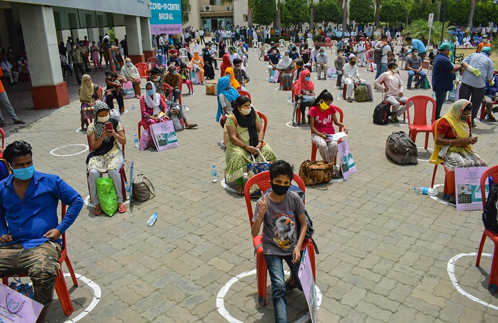 Bhopal: People recovered from COVID-19 wait to be discharged from the Chirayu Hospital, in Bhopal, Monday, June 1, 2020. (PTI Photo) (PTI01-06-2020_000076B)