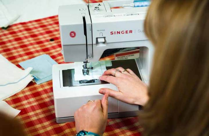 Singer 4411 vs 4423 vs 4432 vs 4452: Read Before Buying the Best Sewing Machines 2019