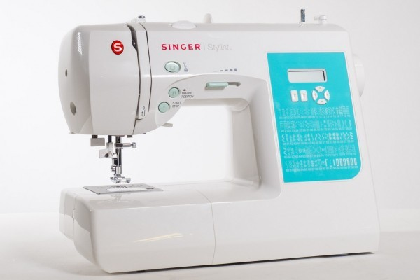 Singer-7258-computerized-sewing-machine