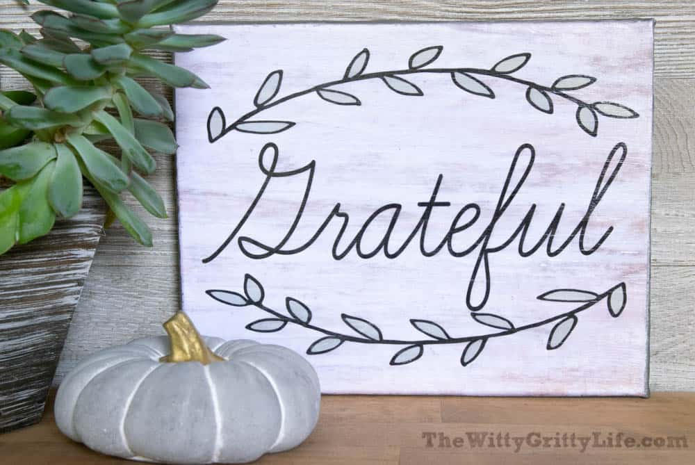 """diy wall sign with quote """"grateful"""""""