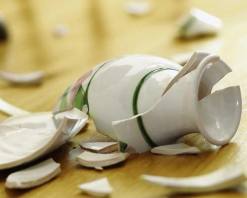 """Картинки по запросу """"Приметы о посуде 2021: от какой посуды нужно избавиться прямо сейчас"""""""