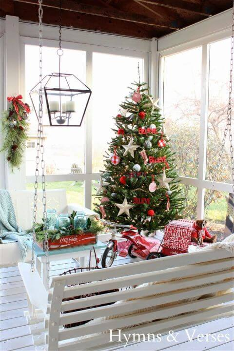 gallery-1446499828-christmas-back-porch.jpg