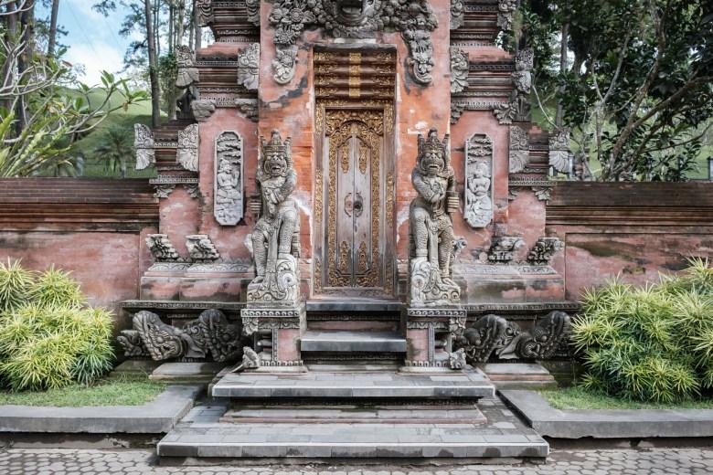 Indonesia Tirta Empul 20