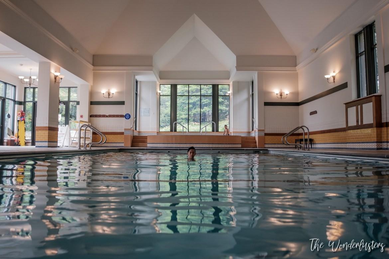 La-piscine-intérieure