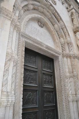 portes de la cathedrale saint jacques
