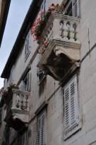 Façades dans le palais de diocletien