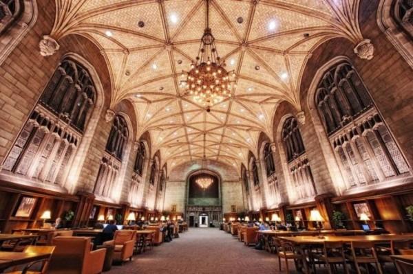 Library of William Rainey Harper Memorial, University of Chicago, USA