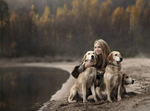 Cute Girl And Boy Hug Wallpaper Mother Photographs Her Kids And Farm Animals In Beautiful