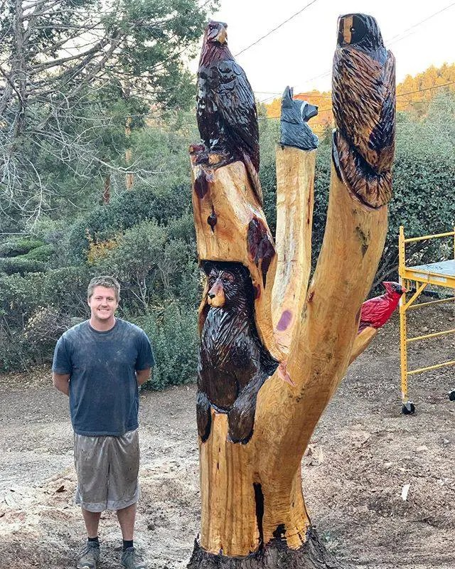 animal chainsaw carving