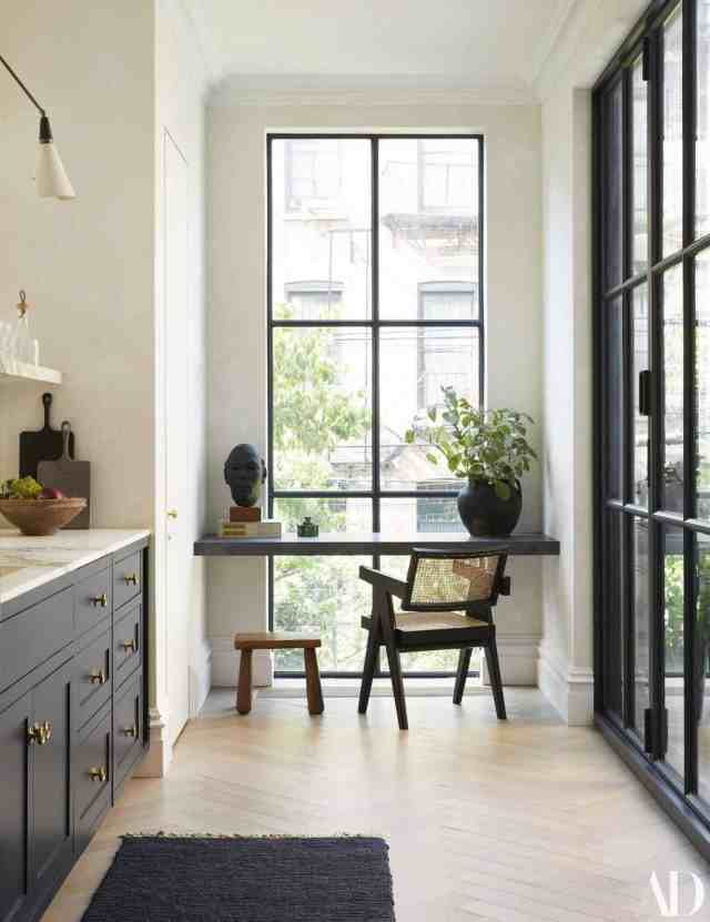 Create a Biophilic Desk Space
