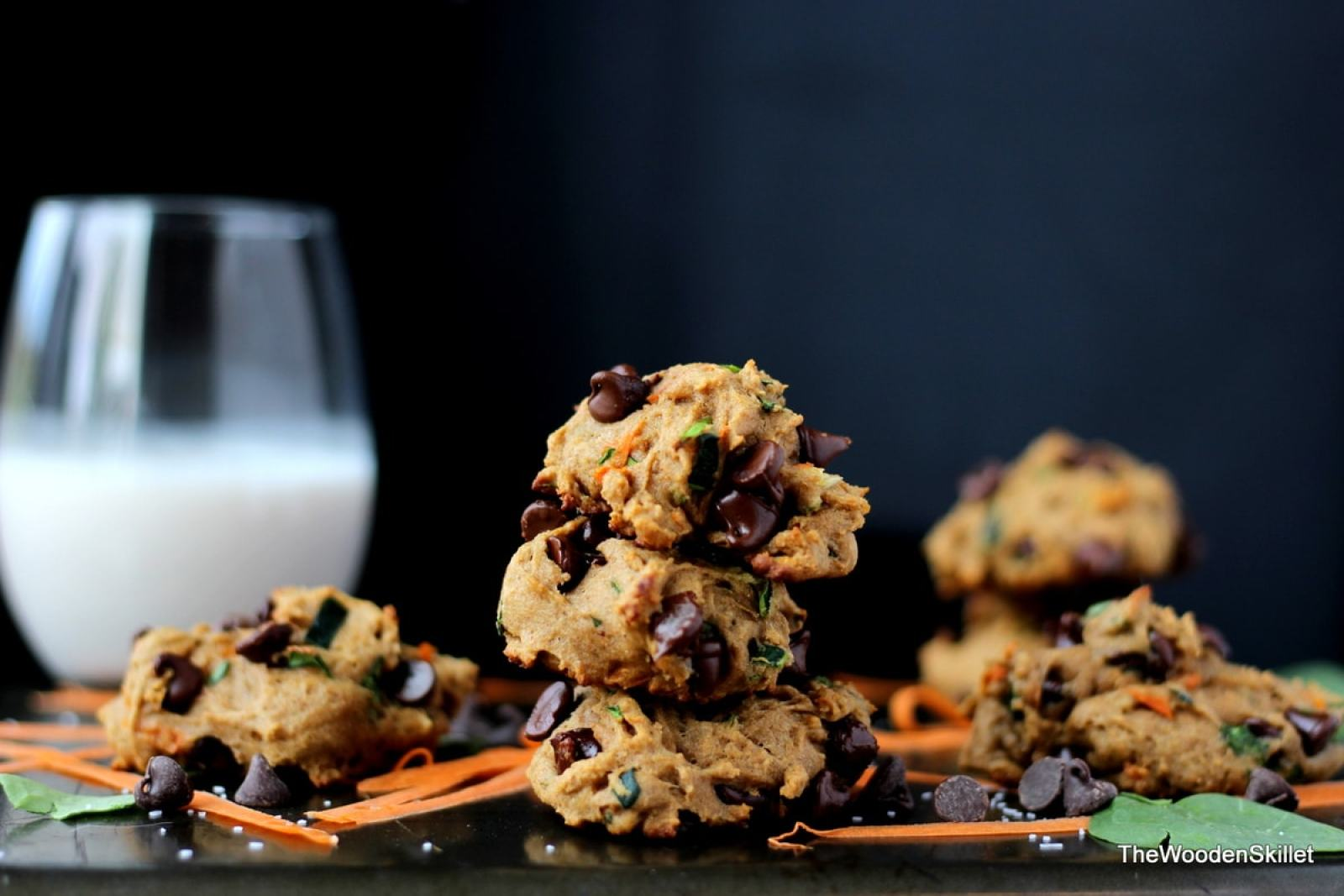 Healthy Chocolate Chip Cookies with Spinach, Zucchini and Carrots - They are healthy and kid-friendly! thewoodenskillet.com #healthycookies