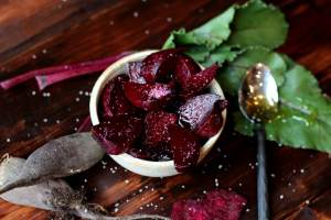 Roasted Beets with Salt and Honey thewoodenskillet.com #sidedish #appetizer #garden