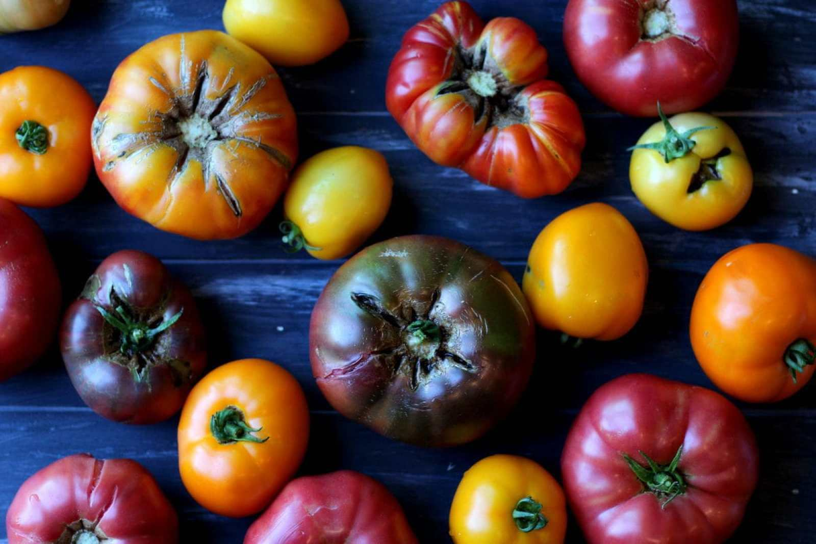 Heirloom Tomatoes #thewoodenskillet