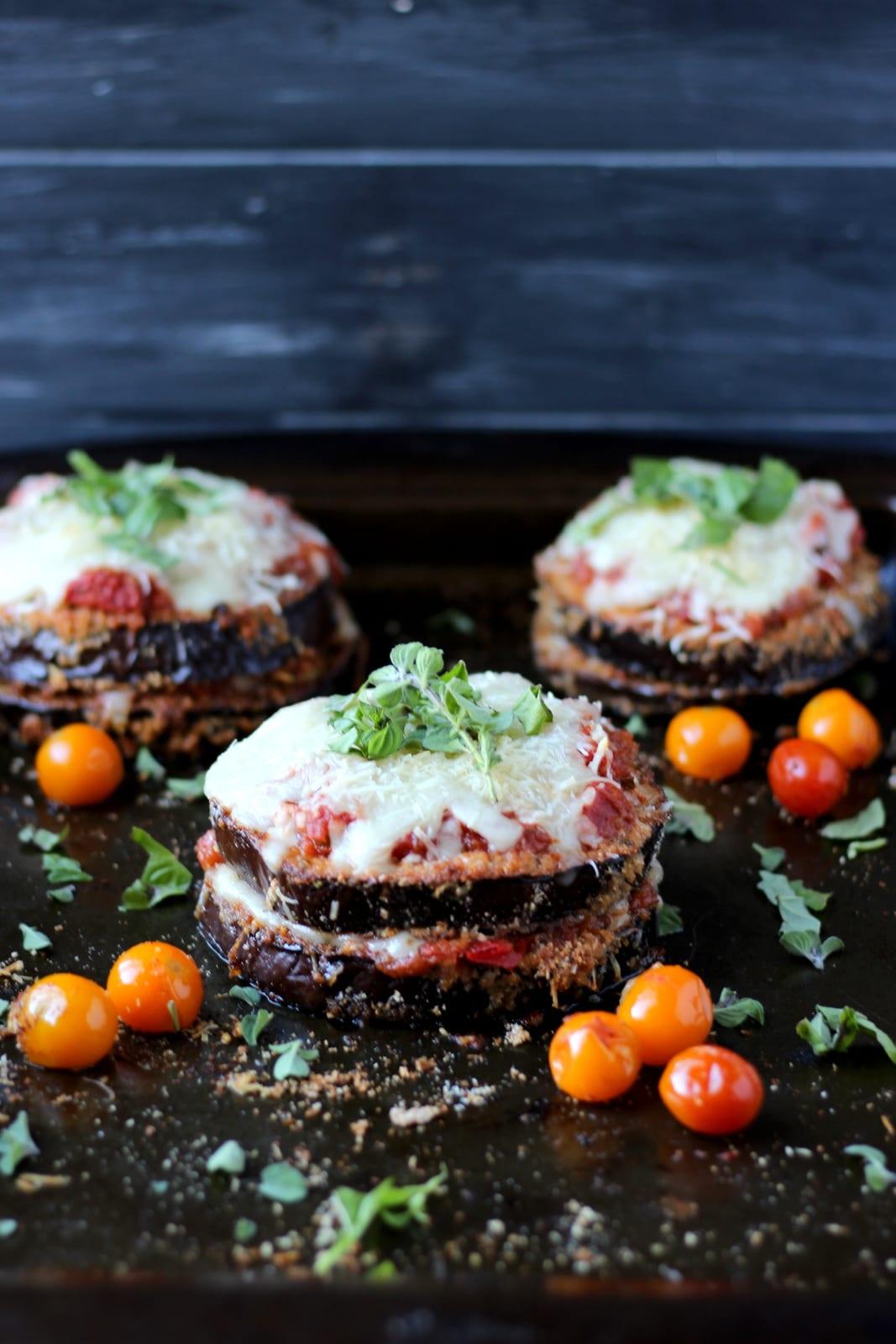 Baked Eggplant Parmesan - thewoodenskillet.com #meatless #eggplant #healthy