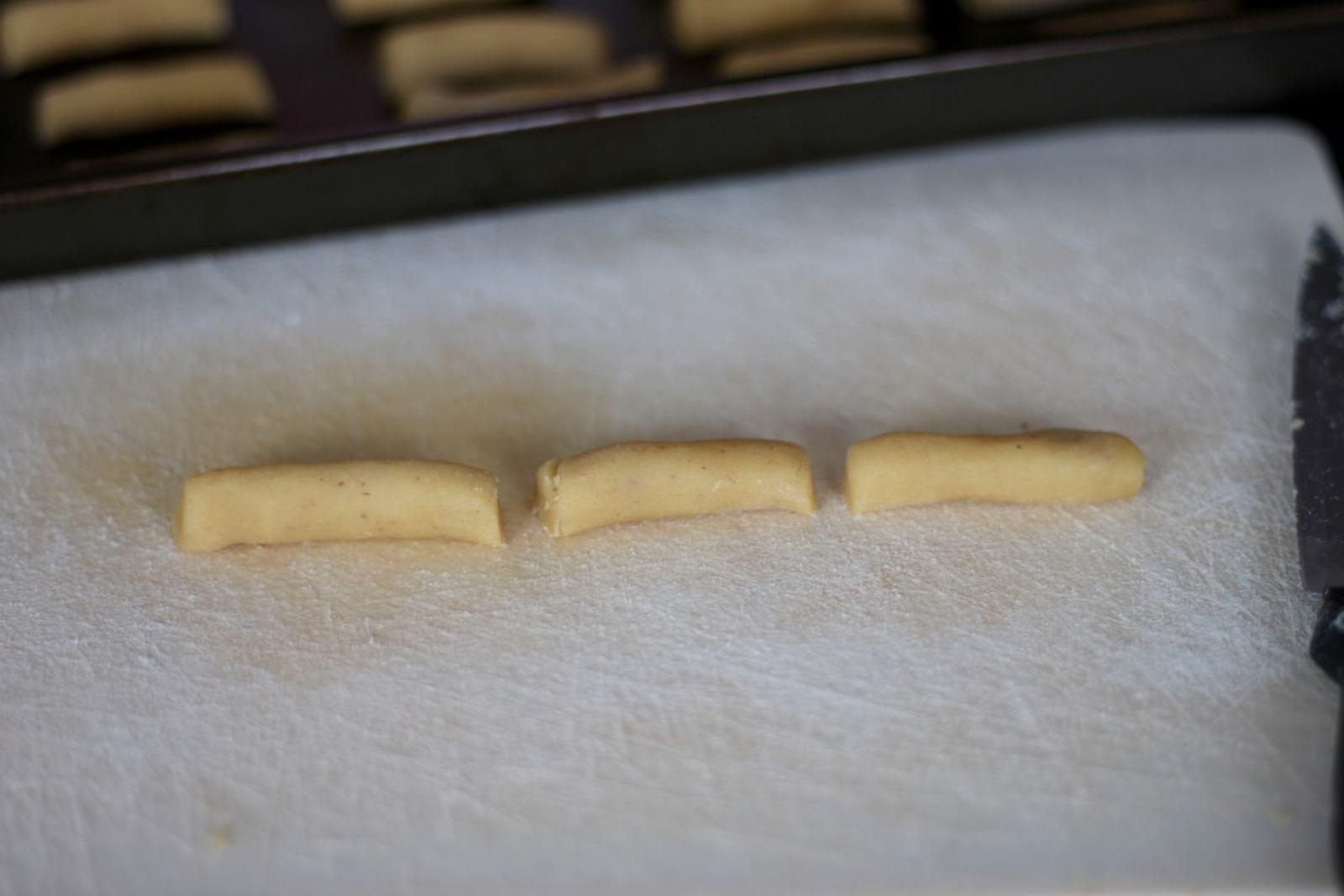 Nutmeg Log Christmas Cookies - thewoodenskillet.com