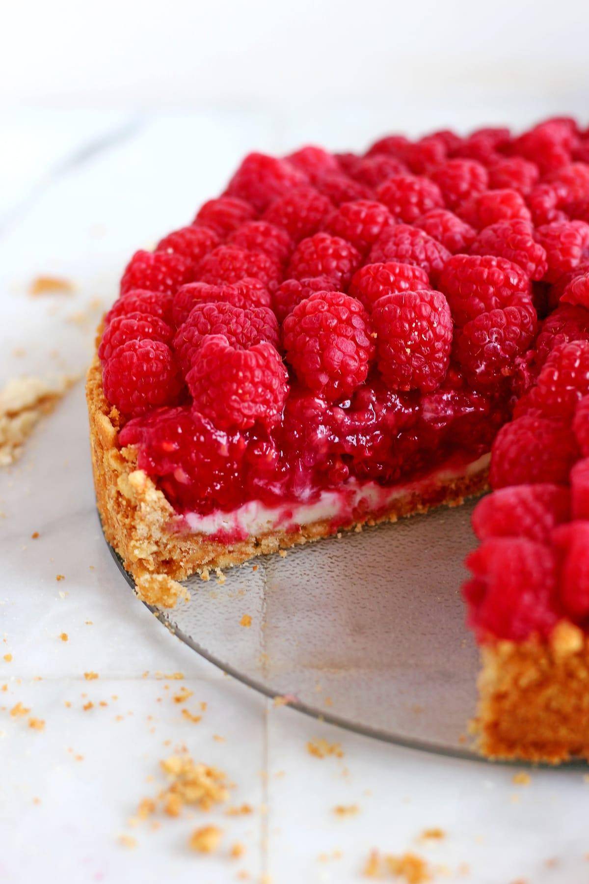 No Bake Raspberry Pie - there perfect, no-fuss, summer dessert!