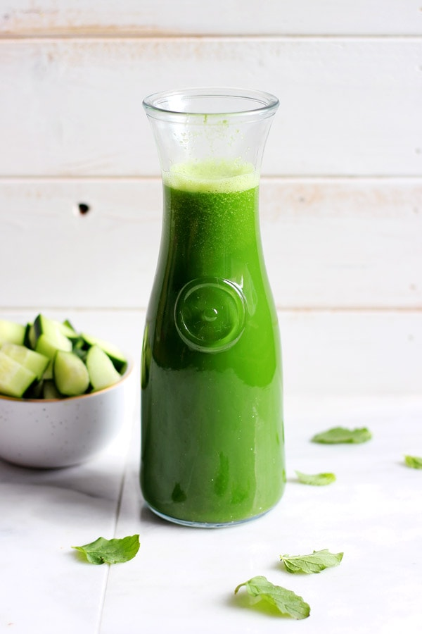 Healthy Cucumber-Mint Morning Green Juice
