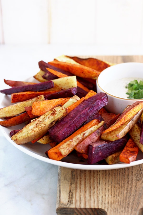 Easy Cinnamon Sweet Potato Sticks - the perfect side dish or snack that is whole30 compliant! thewoodenskillet.com