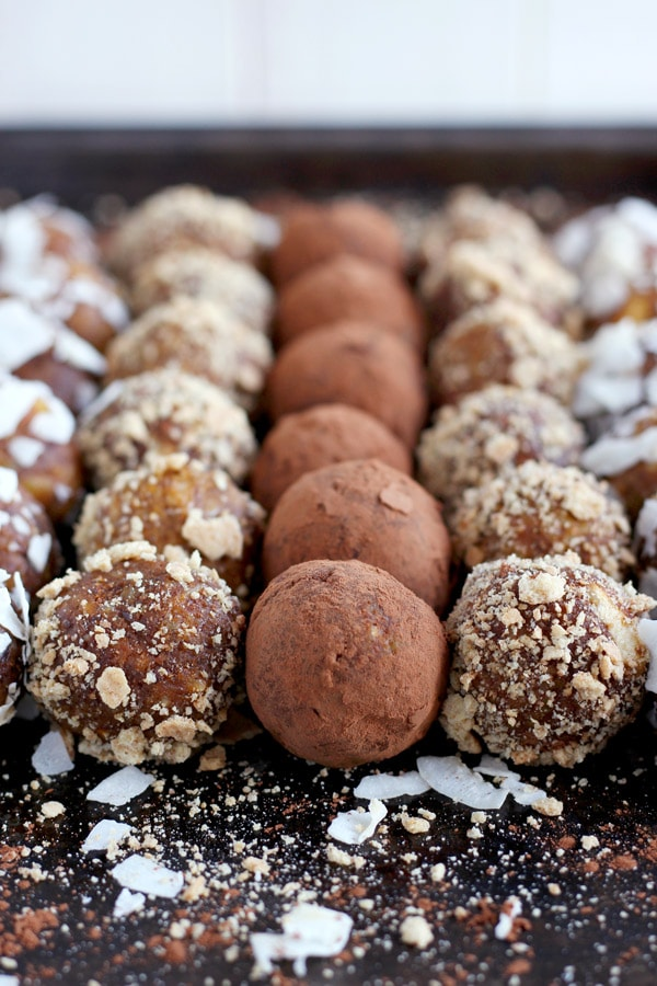 Healthy Pumpkin Pie Energy Balls