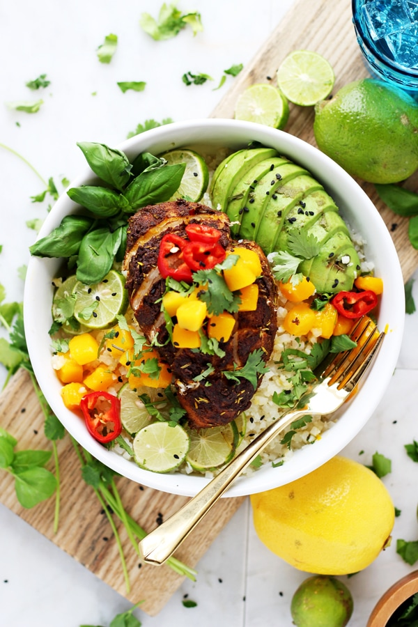 Crockpot Jerk Chicken Cauliflower Rice Bowls - a quick and easy weeknight dinner that is Whole30 compliant! thewoodenskillet.com