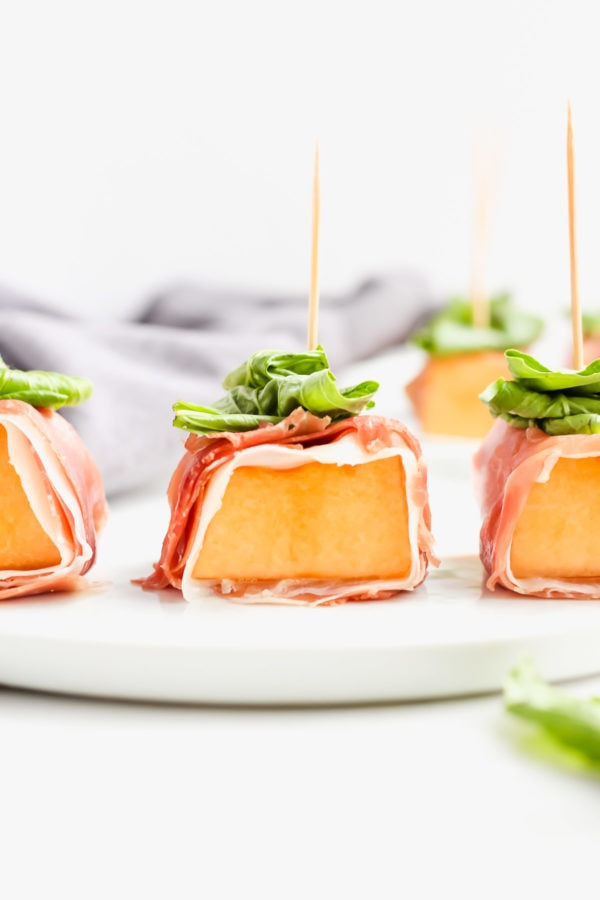 Prosciutto-Wrapped Melon with Basil - an easy and healthy holiday appetizer! #whole30 #whole30appetizer