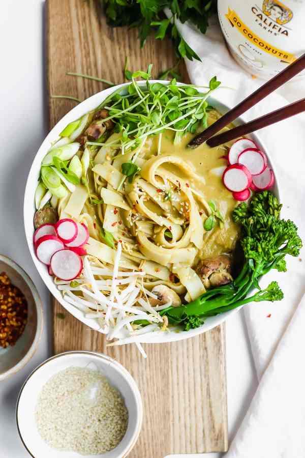 Vegan Sweet Green Curried Noodles