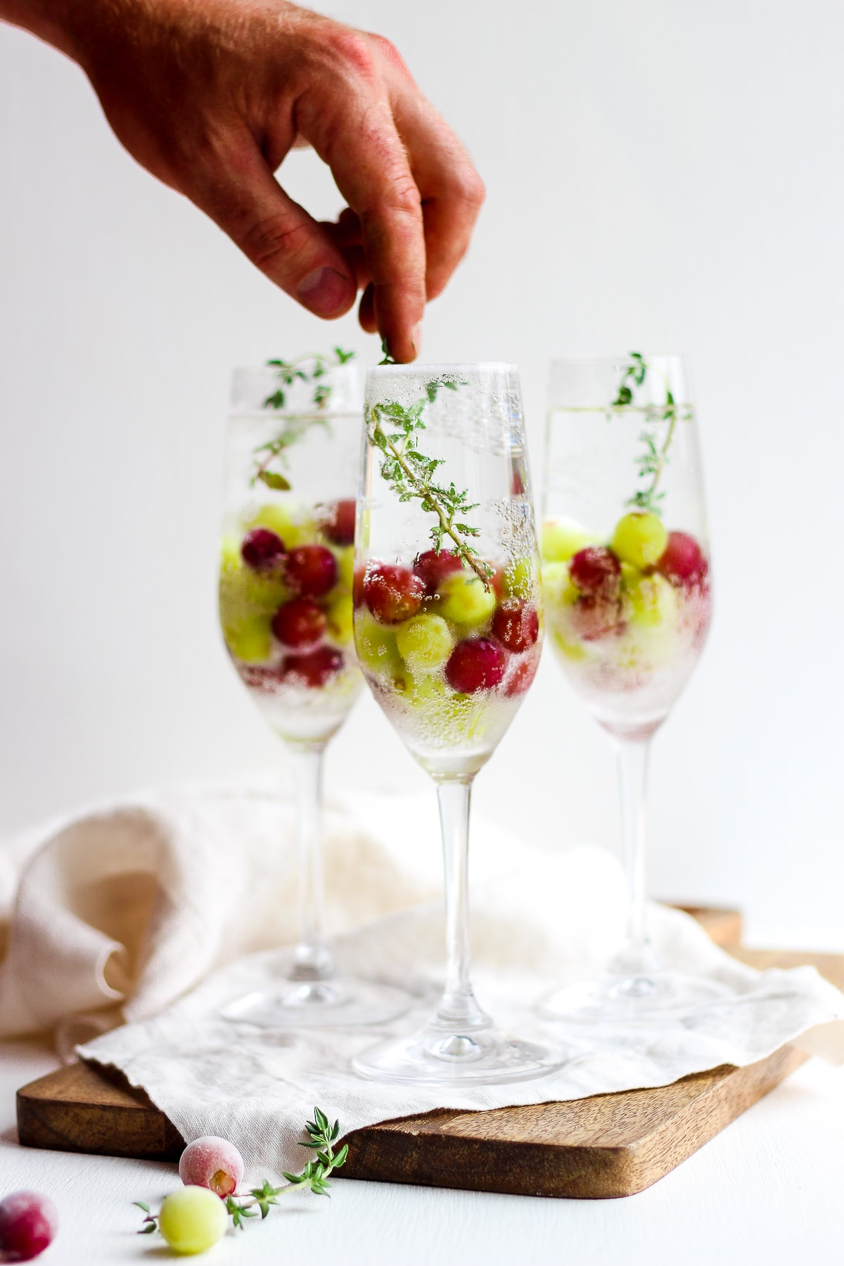 Frozen Grape Mimosa Mocktail- perfect for your next brunch! #mocktail