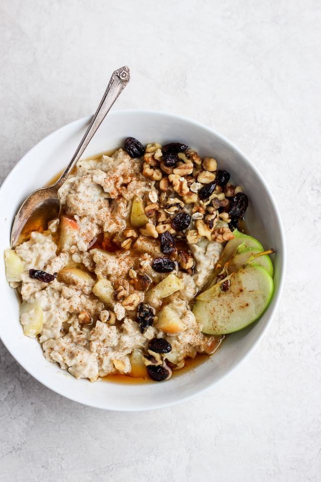 Creamy and Delicious Apple Pie Oatmeal