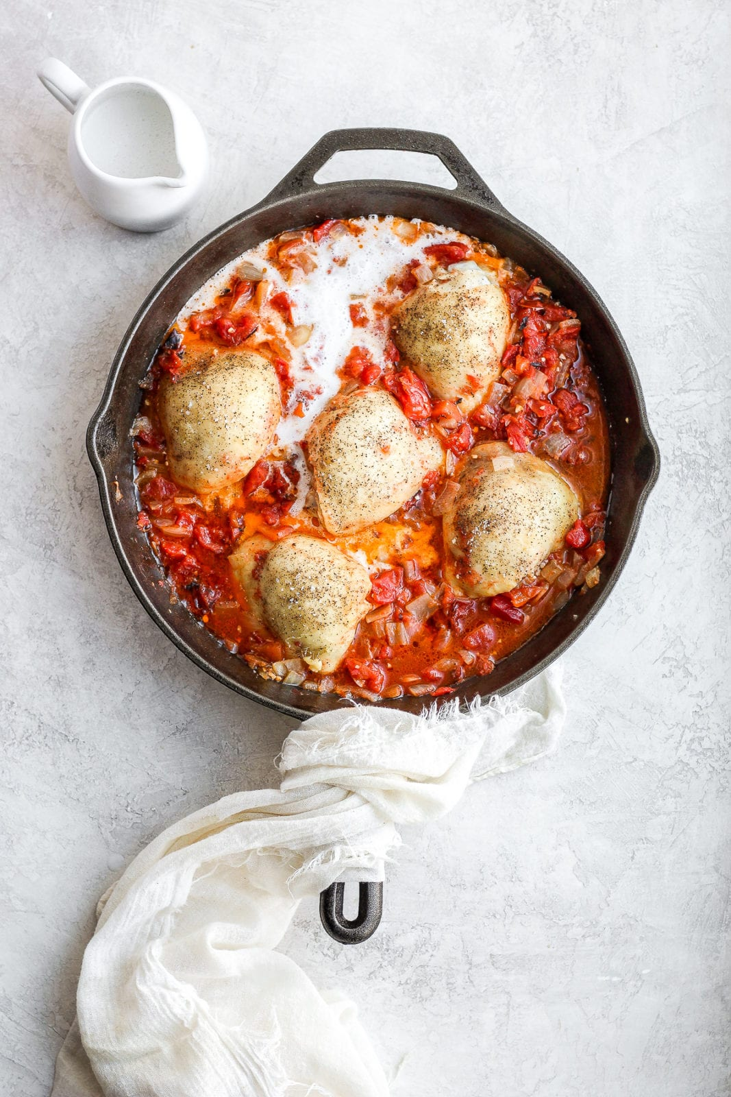 Dairy-Free Creamy Chicken Tomato Skillet - a simple, yet delicious easy weeknight dinner that is dairy-free and whole30 compliant! #whole30 #whole30recipes #paleo #dairyfreerecipes #easyweeknightdinner