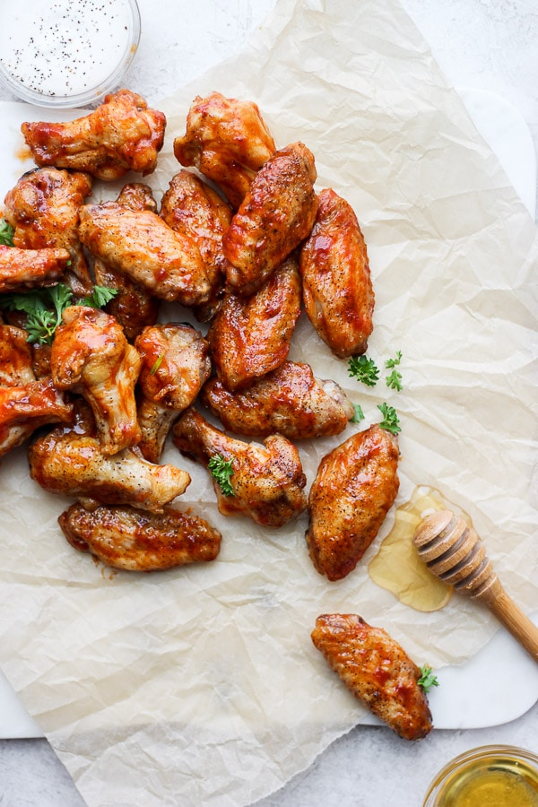 Honey BBQ Wings - easy, delicious and perfect for game day!!! (Paleo + GF + DF) #honeybbqwings #bbqwings #gamedayrecipes #bakedwings #paleorecipes