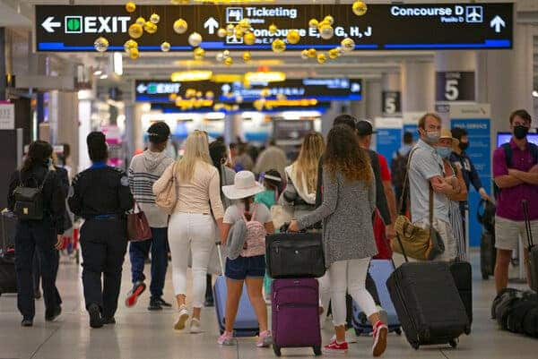 More-Than-1.1-Million-Travelers-Screened-By-TSA-A-Day-After-Christmas