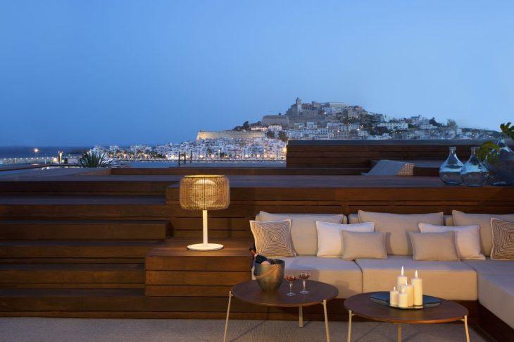ibiza-gran-hotel-galeria-gran-suite-dalt-vila-terraza-noche-1024x680