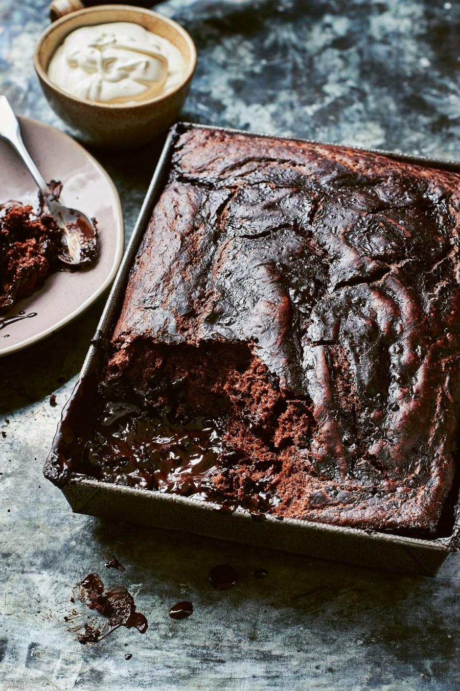 Magic_melting_mocha_cake_SMALL_2_