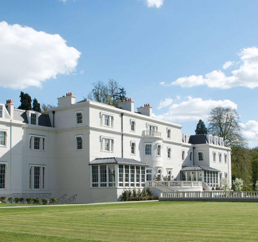 Coworth-Park-Exterior-Croquet-Lawn-Landscape-1920x840