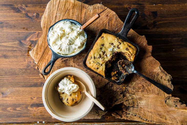 1411971_Baked-Cast-Iron-Cookie-with-Smoked-Bourbon-Whip-by-Chef-Timothy_001