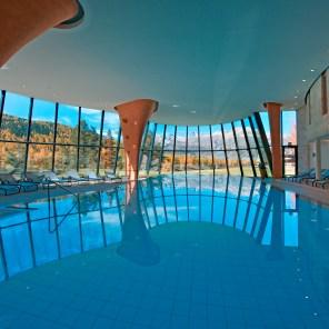 Grand Hotel Kronenhof - swimming pool in autumn
