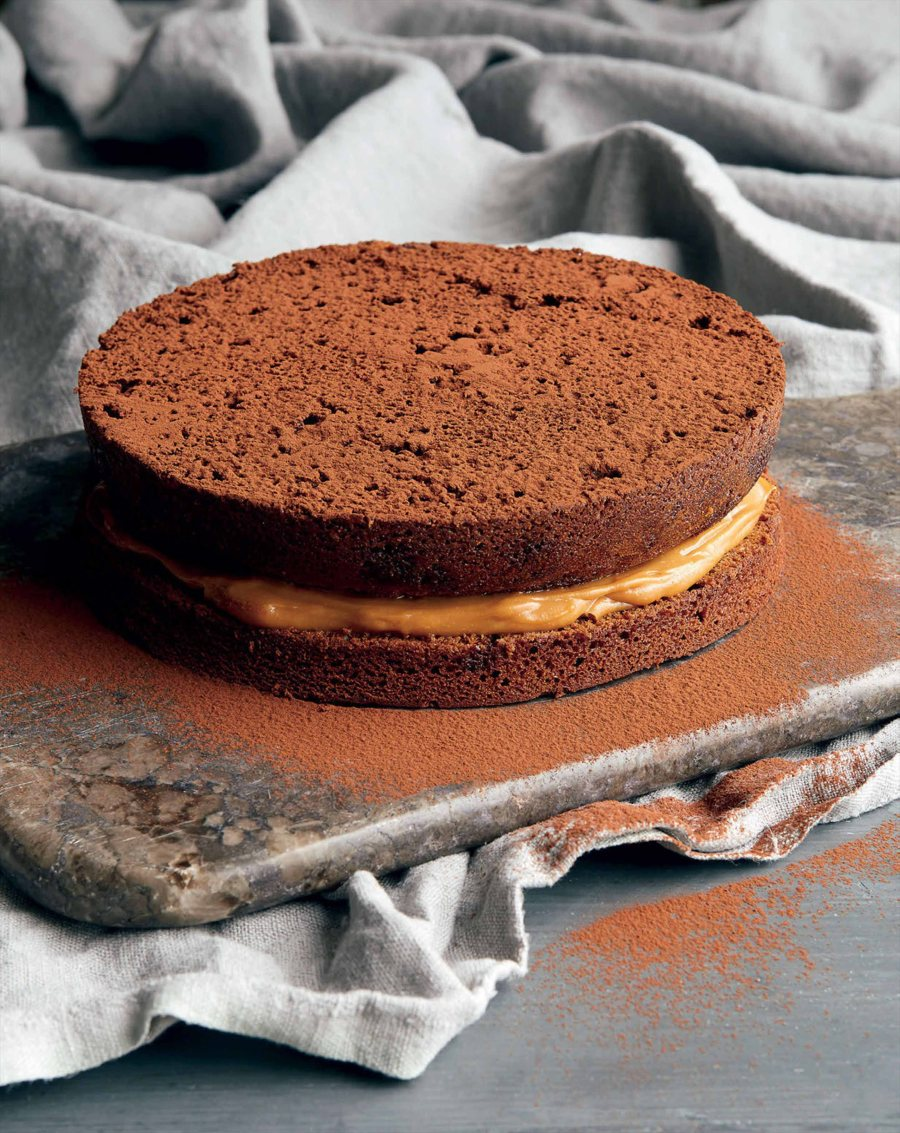 57d6ab3135c63_llt_salted_caramel_and_milk_chocolate_cake_with_salted_caramel_cream_1