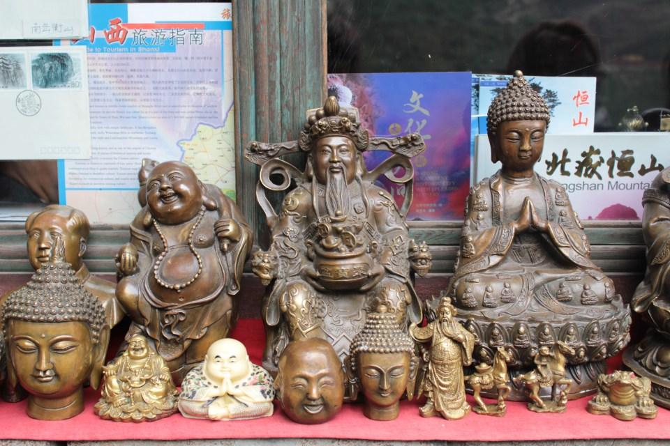 Buddhas statues