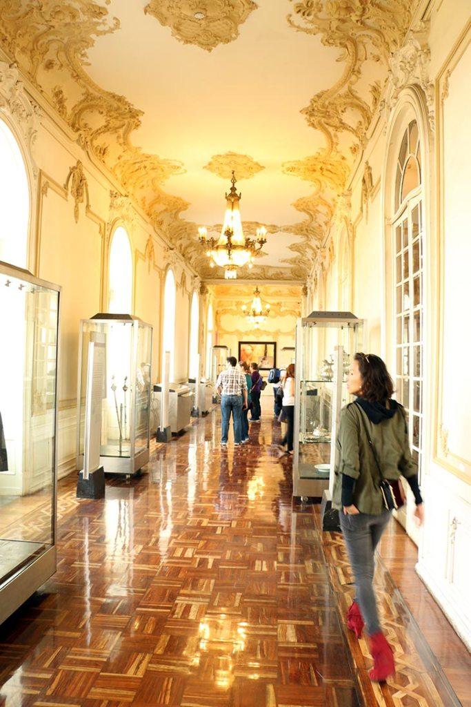 chapultepec-hallway