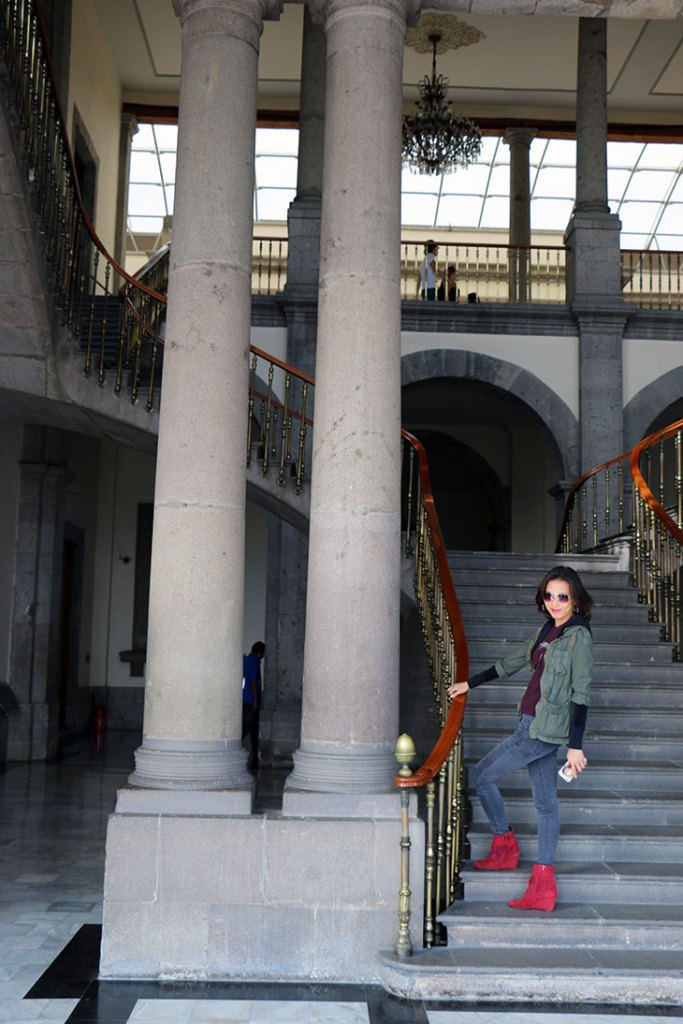 chapultepec-marble-stair