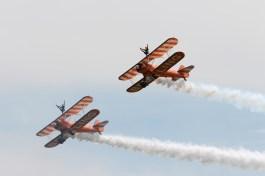 Formation wingwalking