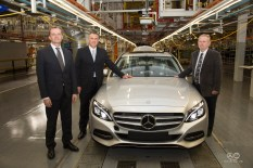 Start of production of the new Mercedes-Benz C-Class at the East London, South Africa, plant: (left to right) Markus Schäfer, Divisional Board Member Mercedes-Benz Cars Production and Supply Chain Management, Arno van der Merwe, CEO and Vice President Manufacturing Mercedes-Benz South Africa, Dr. Rob Davies, Minister of Trade and Industry of the Republic of South Africa