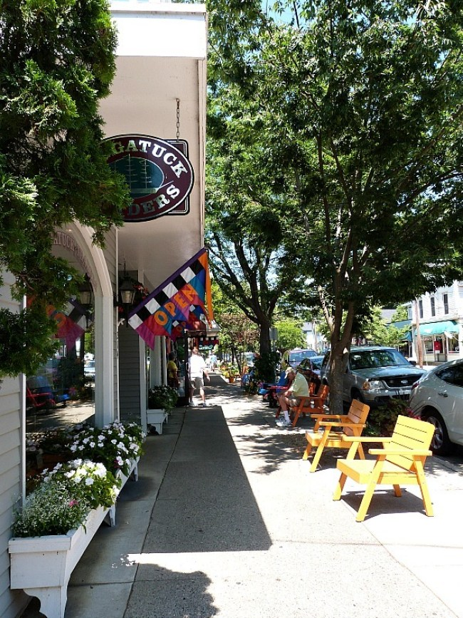 Exploring small town Michigan in Saugatuck