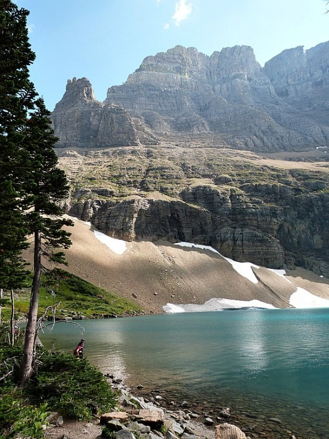 Hiking in Glacier National Park in Montana - a Rocky Mountain Road Trip must
