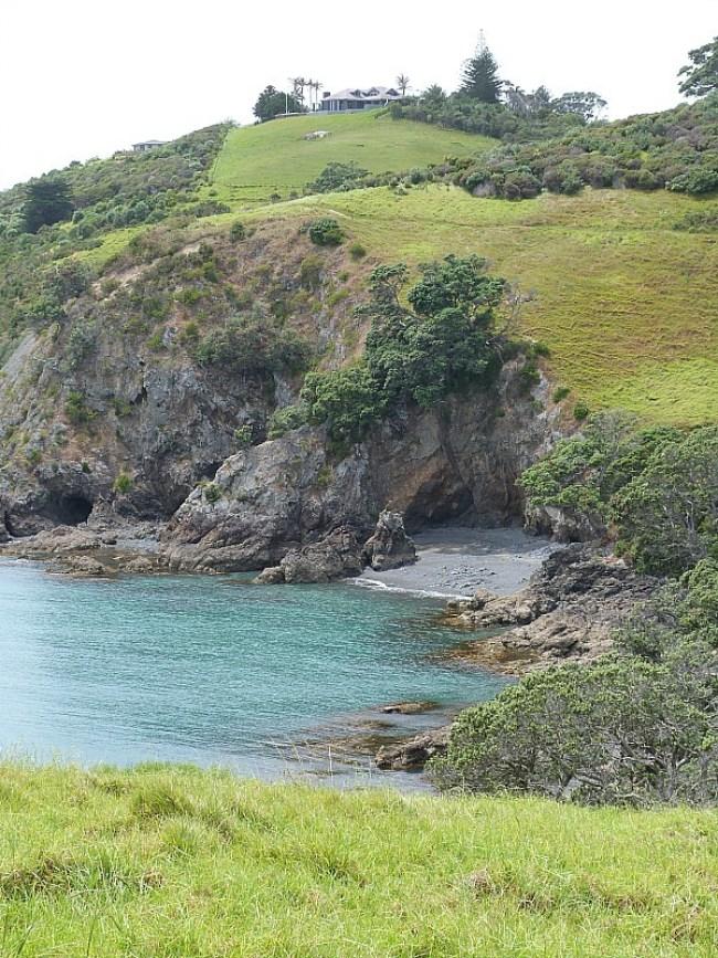 Hiking on Waiheke Island in Auckland, New Zealand