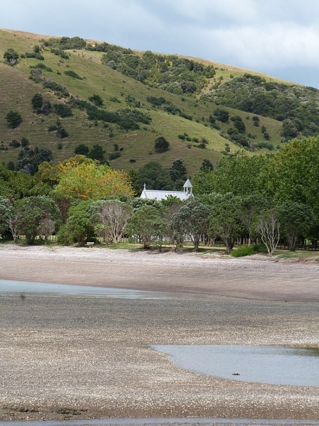 Exploring the beaches of Waiheke Island - one of the best day trips from Auckland city