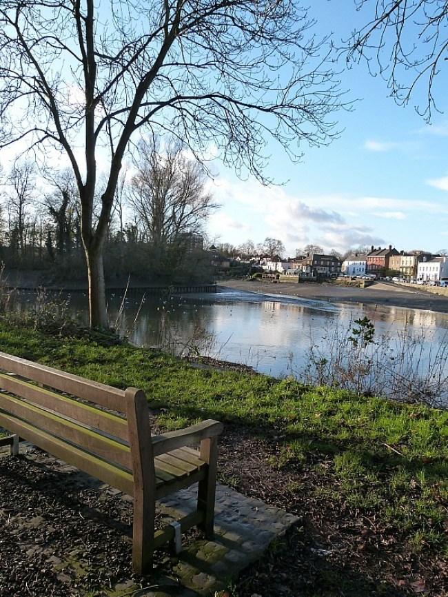 Wandering by the riverside in Richmond in Greater London